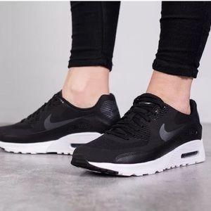Nike Air Max Ultra 2.0 black size 5